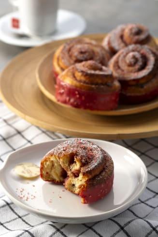 valrhona.asia/recipes/strawberry-cheese-roll