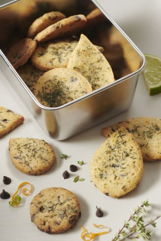 valrhona.asia/recipe/citrus-thyme-chocolate-chips-biscuits