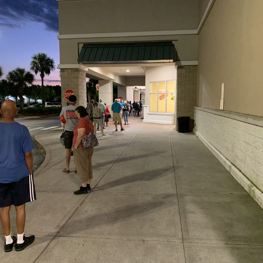 Social distancing in a supermarket
