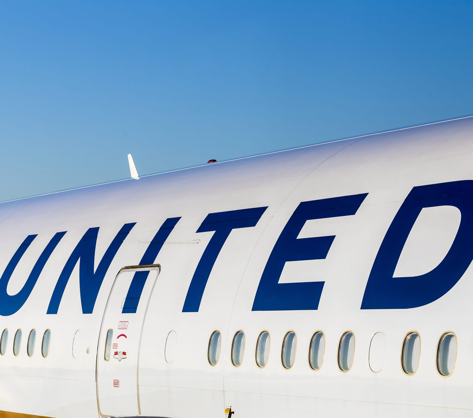 What Is United Airlines Premier Status Worth in 2019? - ValuePenguin