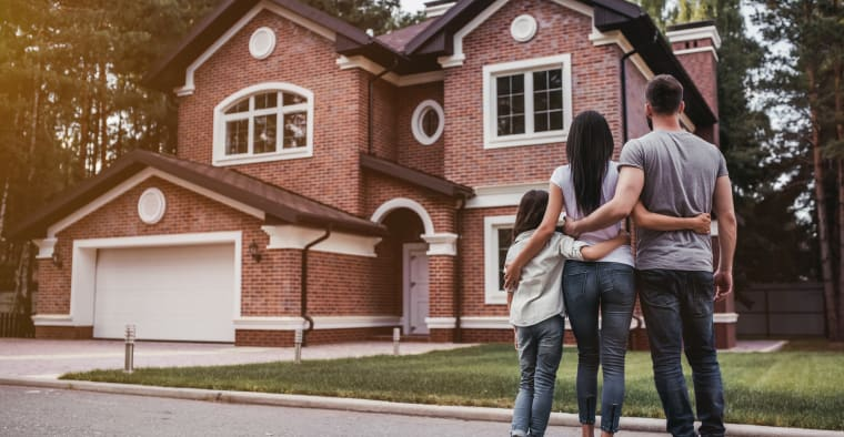 Nearly Half of Homeowners Don't Know What Their Insurance Policy Covers - ValuePenguin