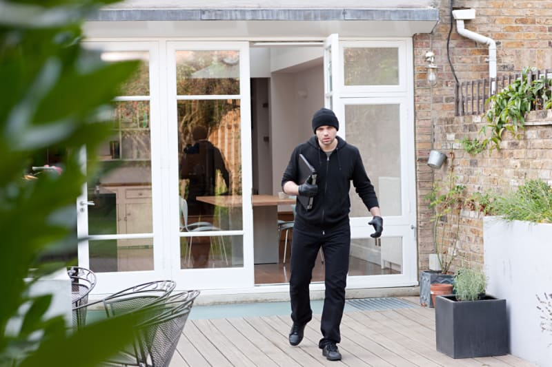 Does Renters Insurance Cover Theft? - ValuePenguin
