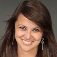Lindsey Epperly Headshot