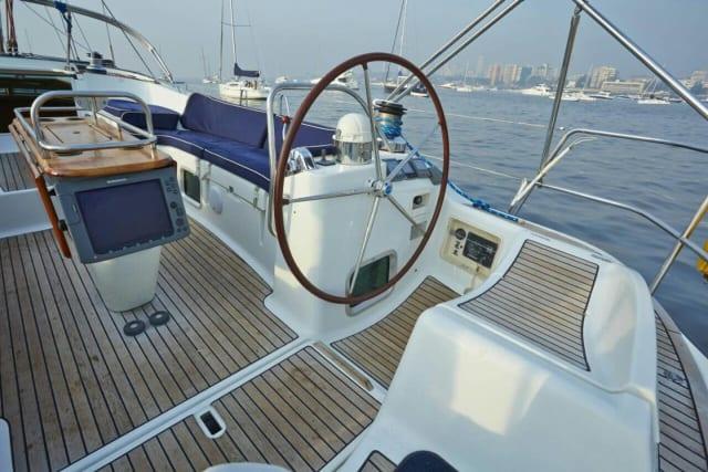 54-Foot Luxury Yacht in Mumbai Harbour