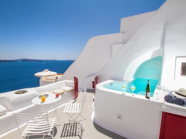 This picture shows Hector Cave House in Santorini, Greece
