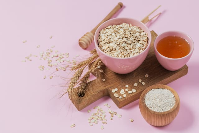 Ingredients for an oatmeal facial mask