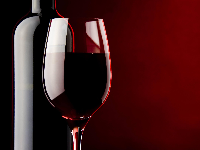 Lichte Rode Wijn : Rode wijn van kruistum wijnen