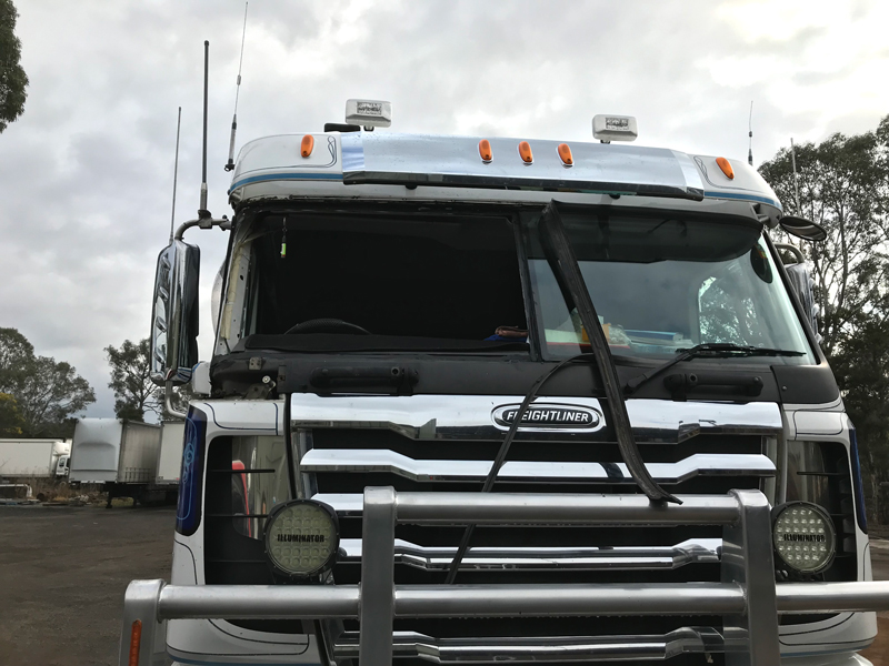 Front windscreen removed from Freightliner truck
