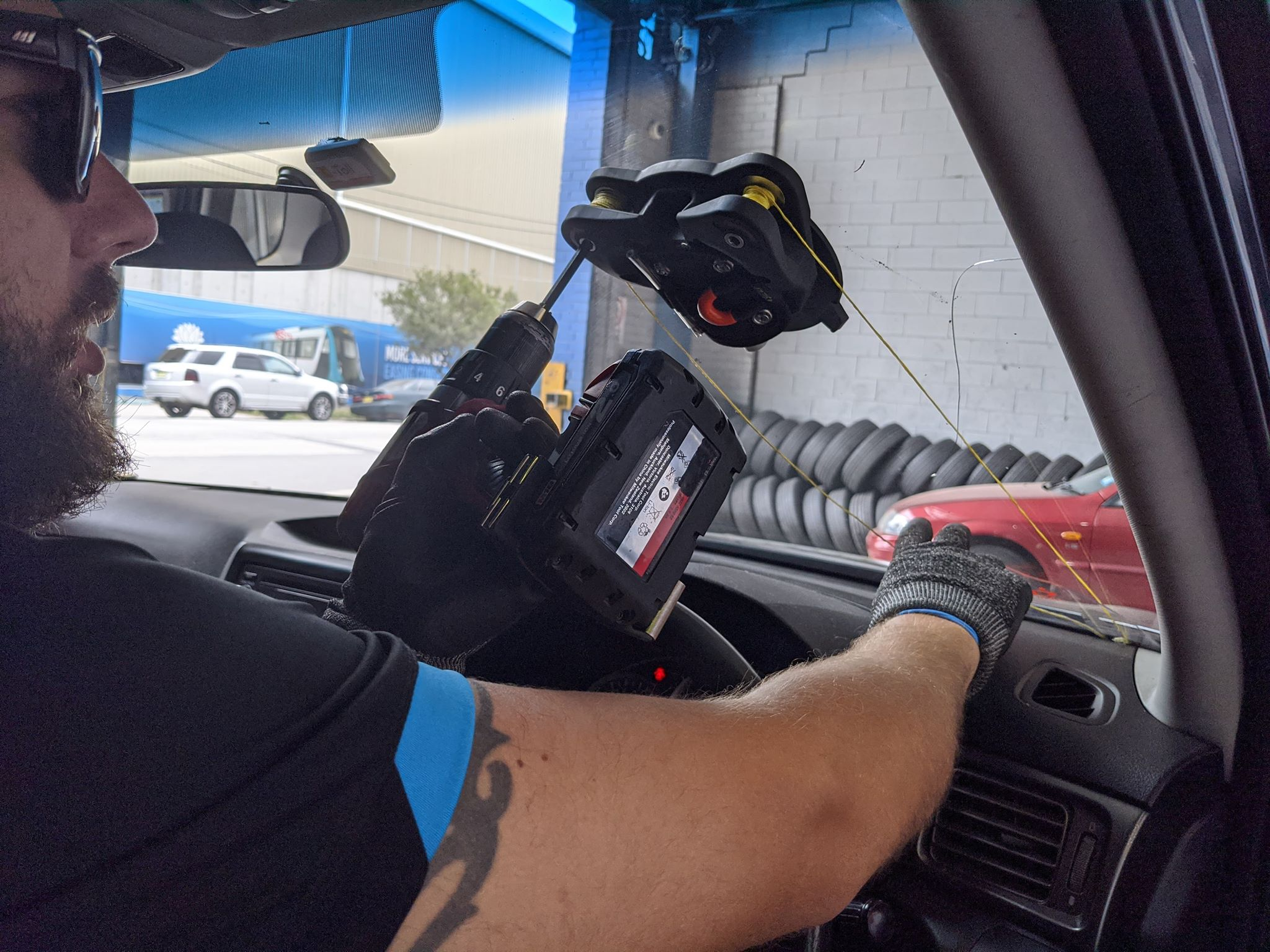 Glass Replacement Tool Mobile Car Windscreen Replacement Sydney & Canberra