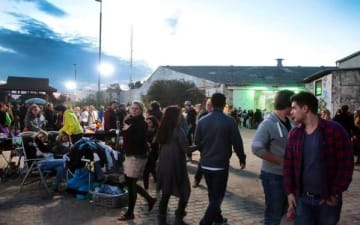 Nachtkonsum - Nachtflohmarkt im Jack-in-the-Box