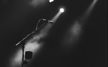Poetry Slam Battle: Rhein vs. Ruhr im Gloria Theater am 23.04.2019