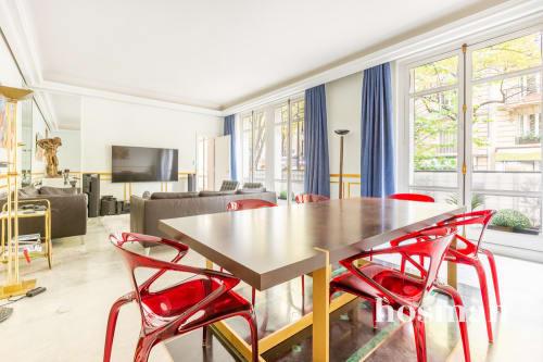 vente appartement de 140.0m² à paris