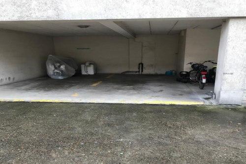 vente parking_spot de 8.0m² à neuilly-sur-seine