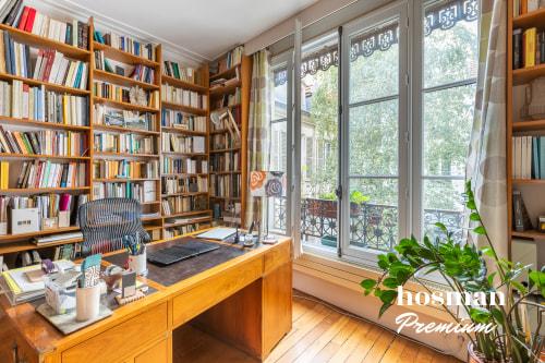 vente appartement de 143.0m² à paris