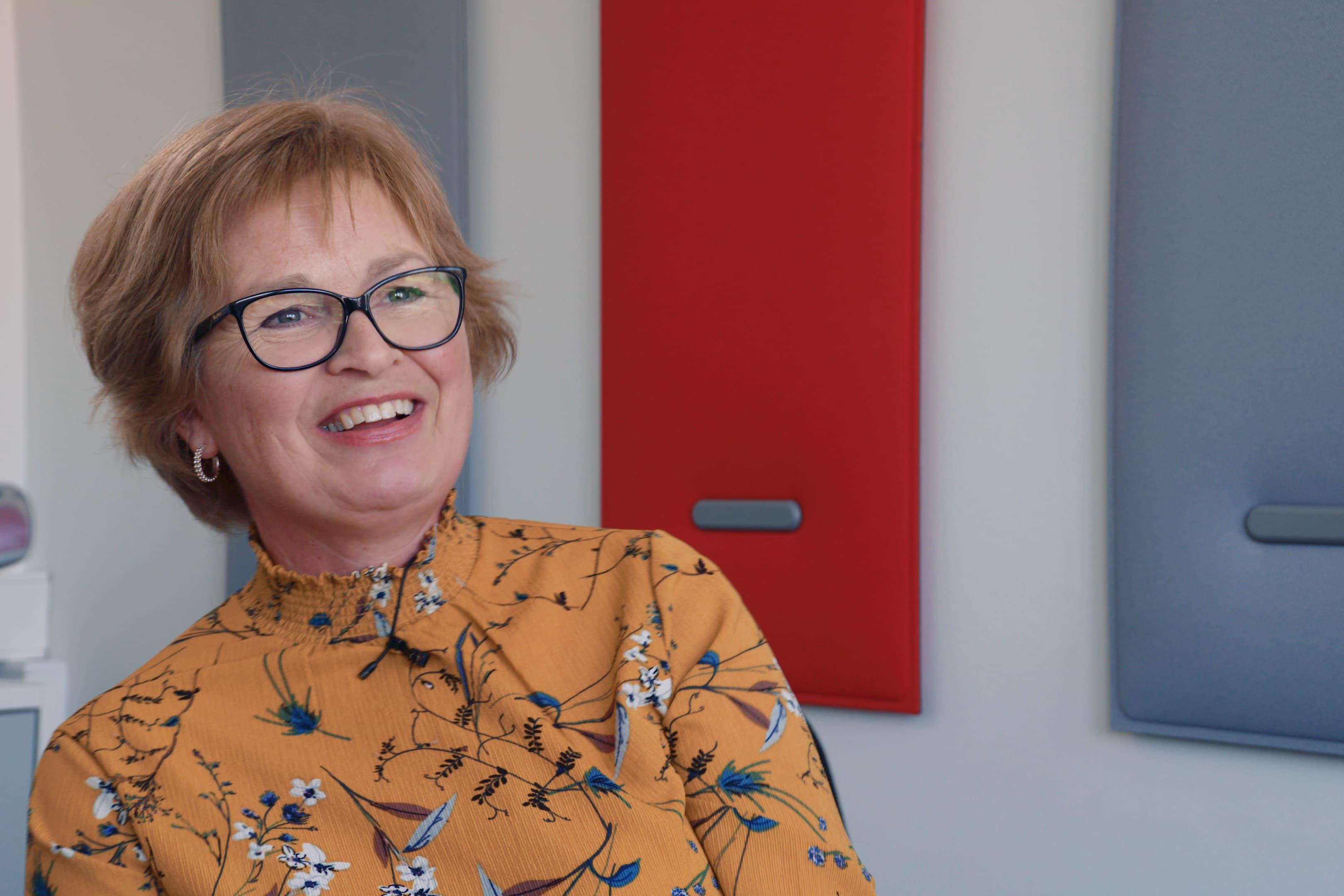 Kunderådgiver Jorunn Strømsnes gleder seg til fremtiden som Fjordkraftansatt