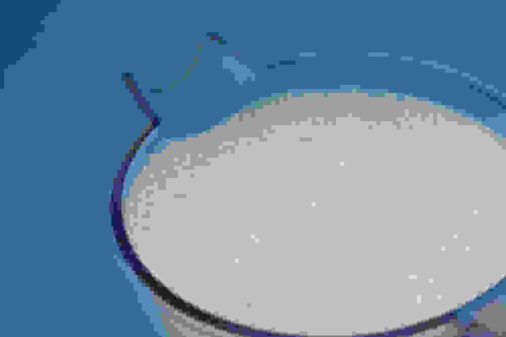 חלב שקדים בקנקן