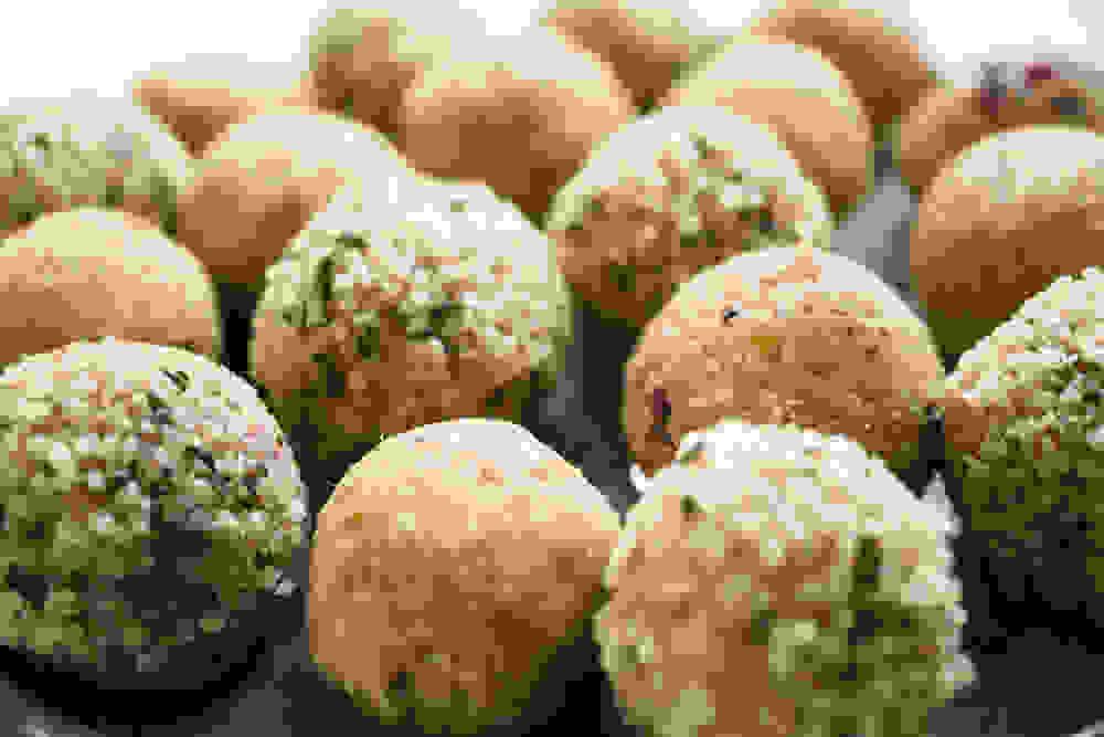 peanut butter berries bliss balls ingredients