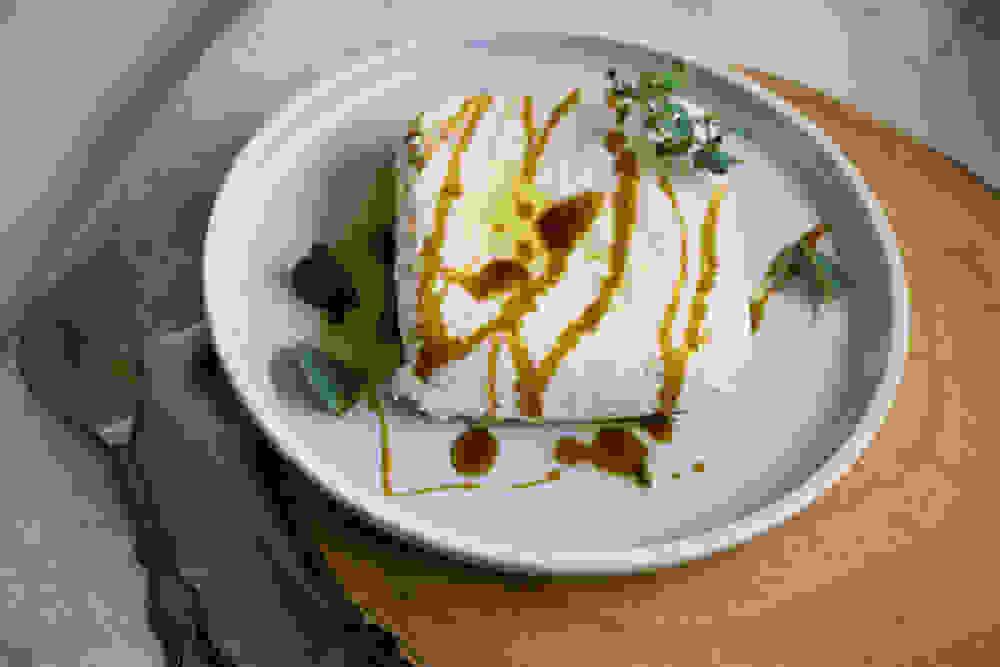 גבינת ריקוטה טבעונית משקדים עם סילאן שמן זית ואורגנו