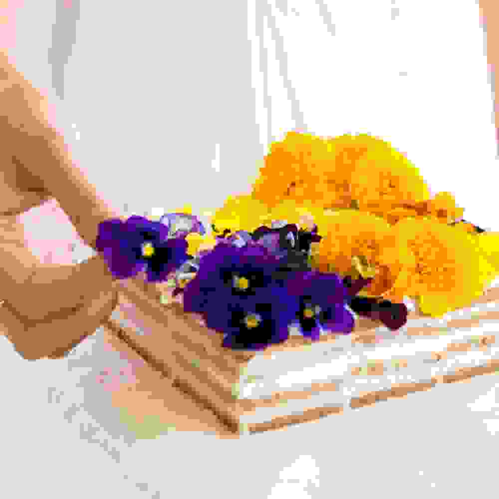 No-Bake Vegan Biscuit Cheesecake With Edible Flowers