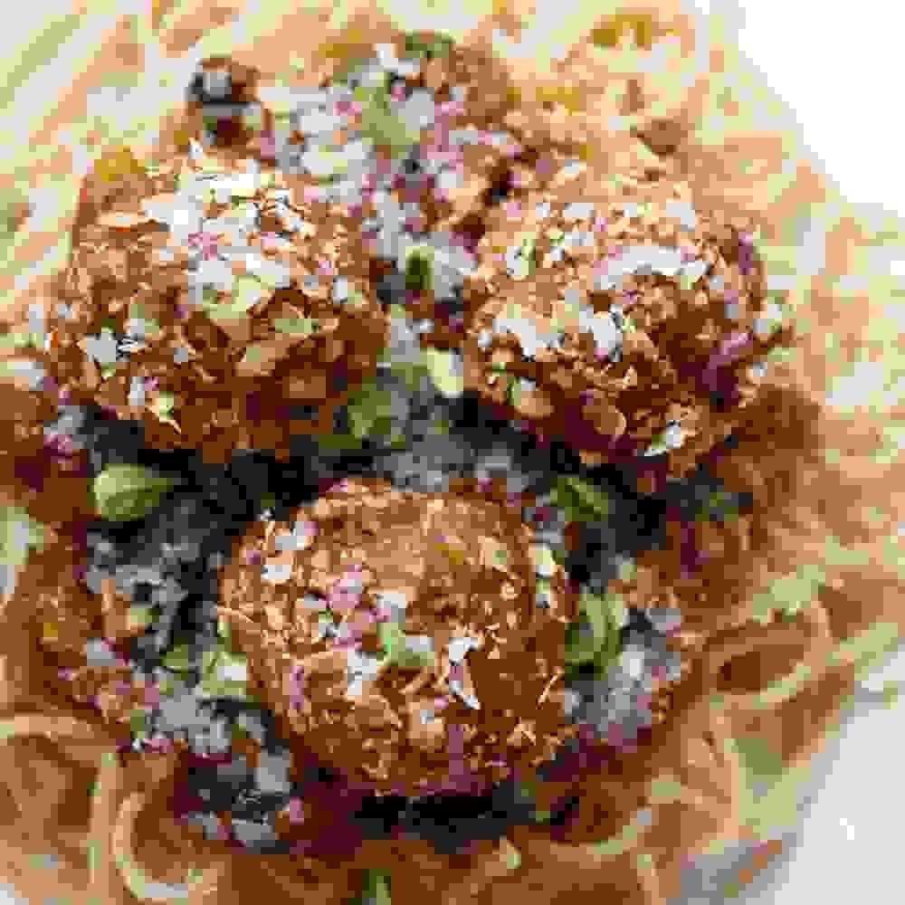 ספגטי כדורי בשר מיט בולס טבעוני עם שמרי בירה