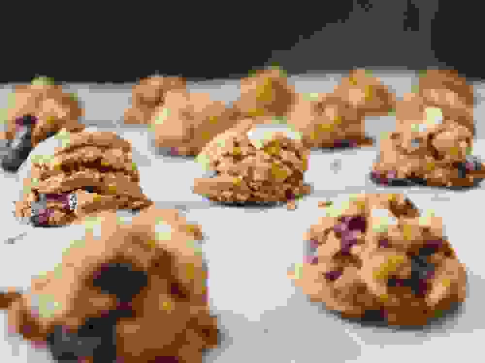 soft vegan baked chocolate chip cookies