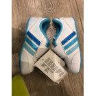 Chaussures à scratch ADIDAS 25 multicouleur vendu par