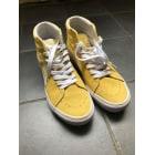 Chaussures à lacets  VANS Jaune