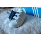 Chaussures de sport ADIDAS Blanc, blanc cassé, écru