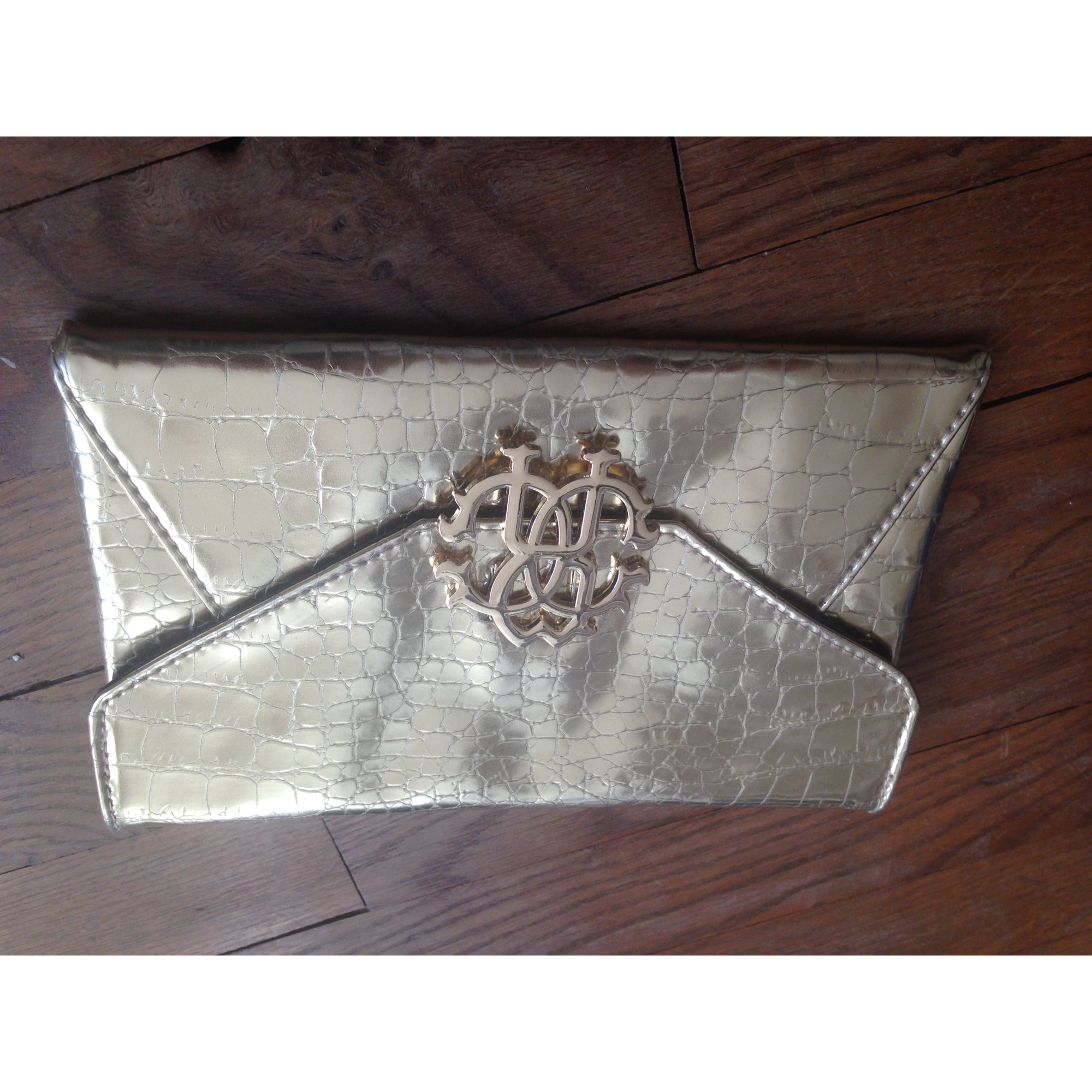 the latest 7a1a6 3d838 Pochette