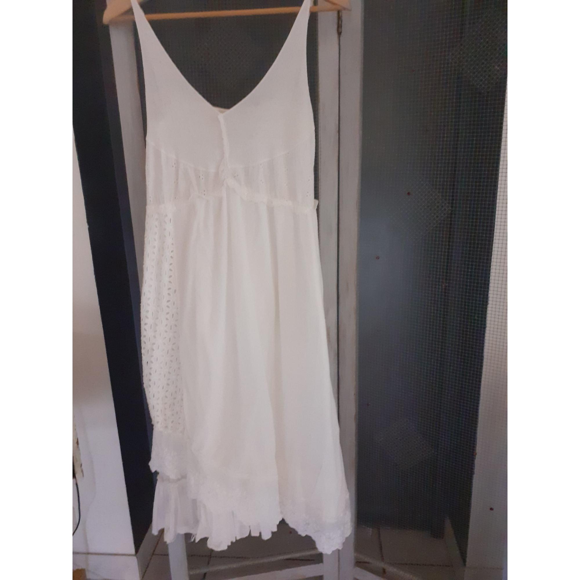 Robe longue MARQUE INCONNUE Blanc, blanc cassé, écru