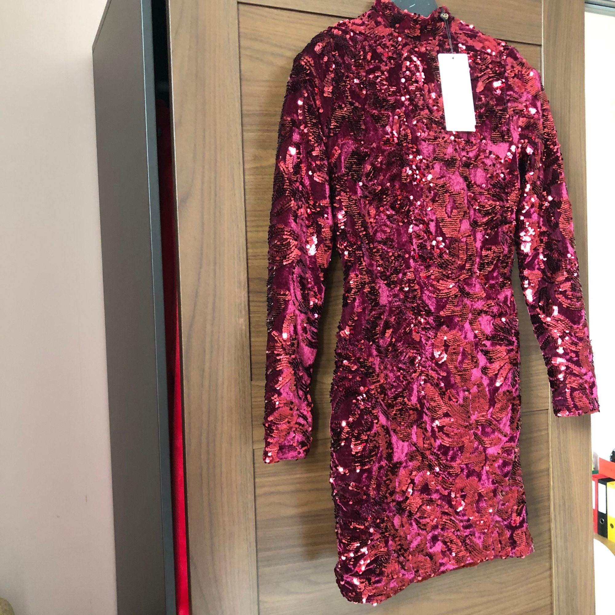 Robe courte CLUB L Rouge, bordeaux