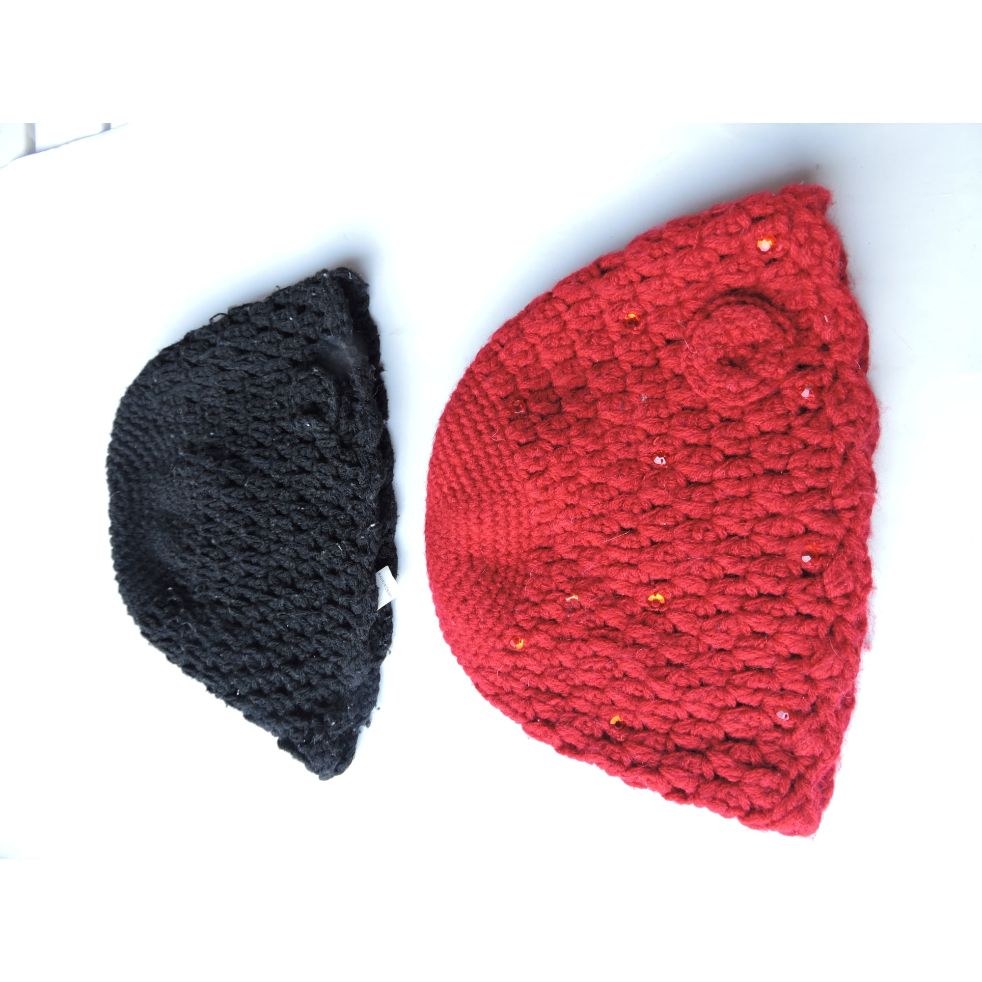 Bonnet JENNYFER rouge et noir