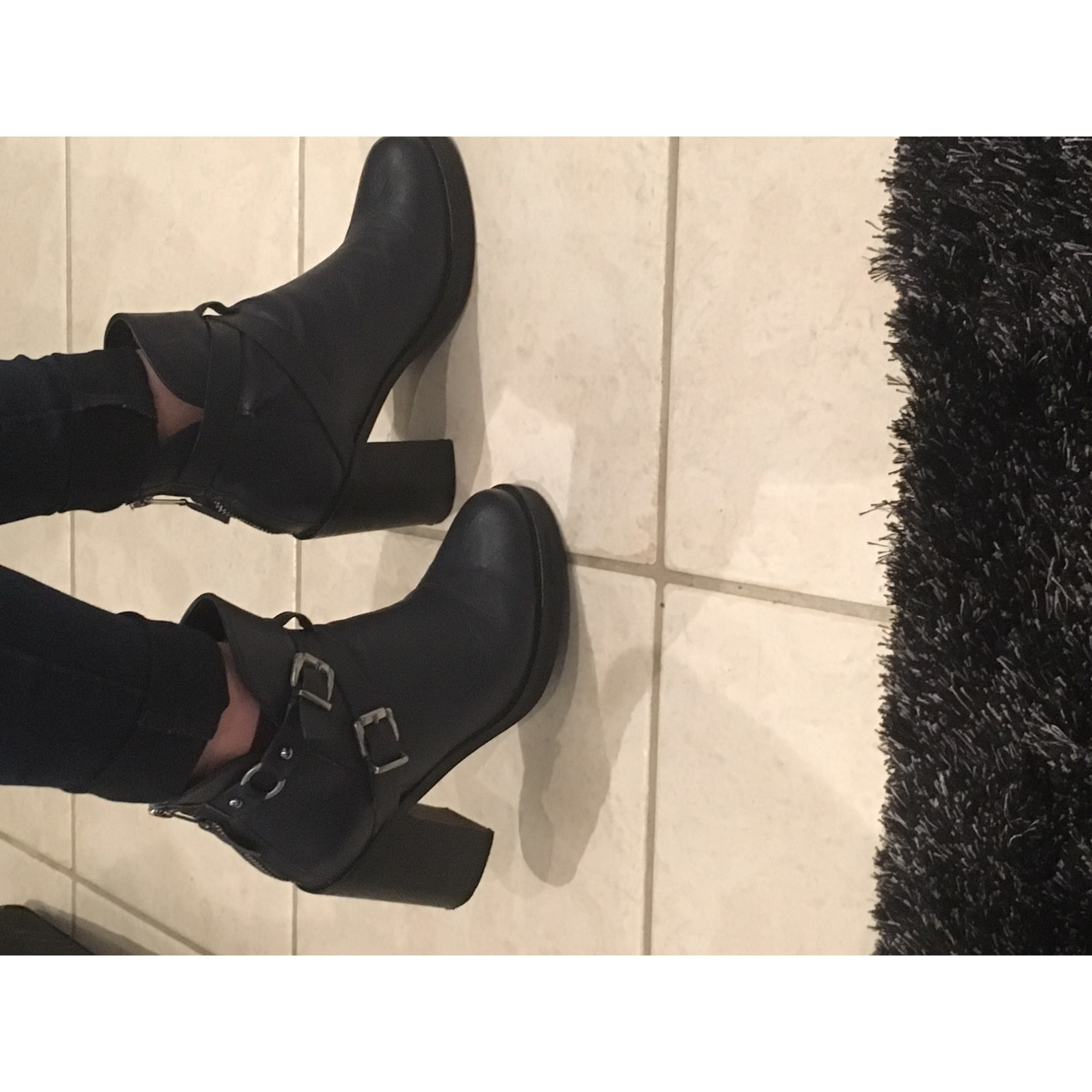 on feet images of the cheapest online here Bottines & low boots à talons