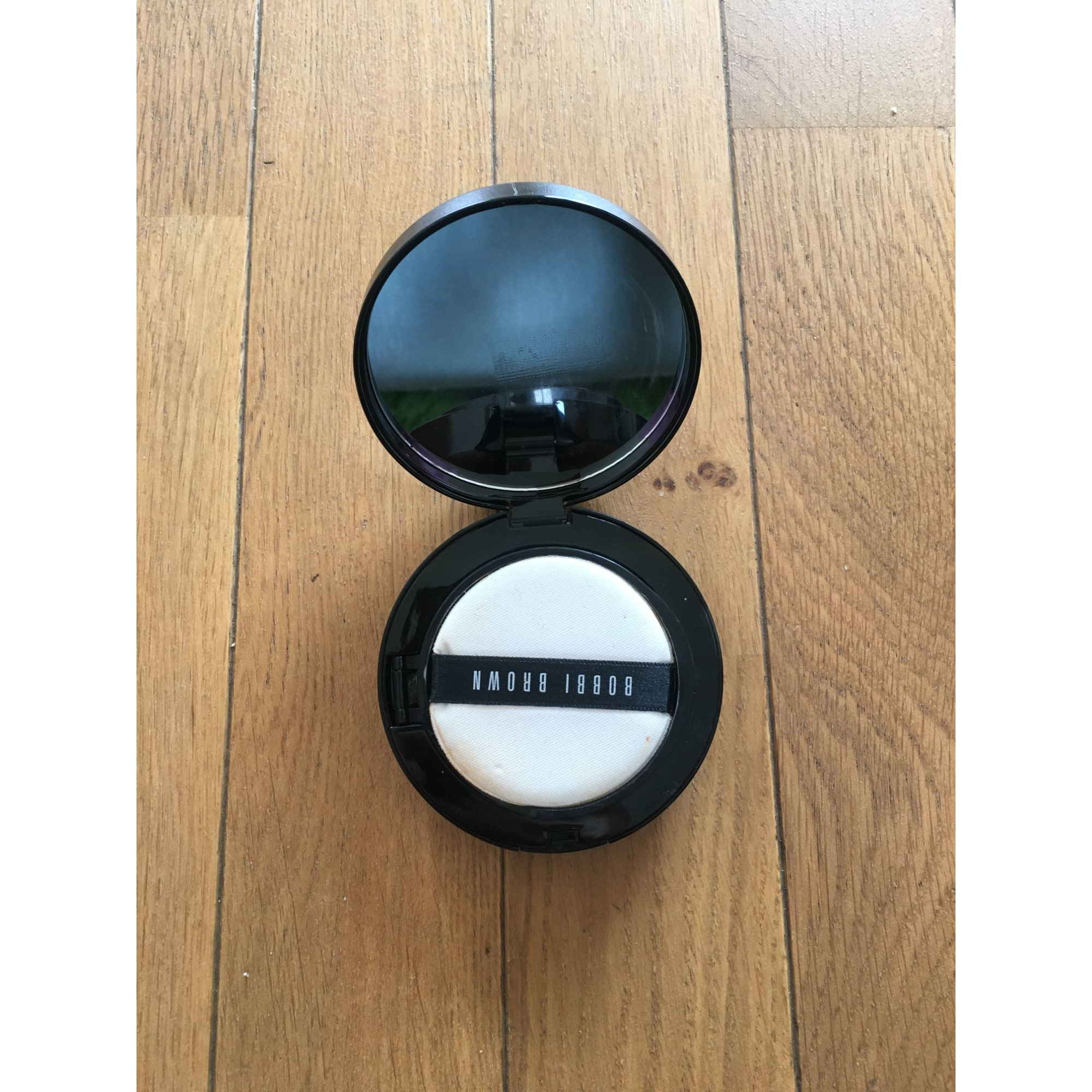 Fond de teint BOBBI BROWN Light to medium