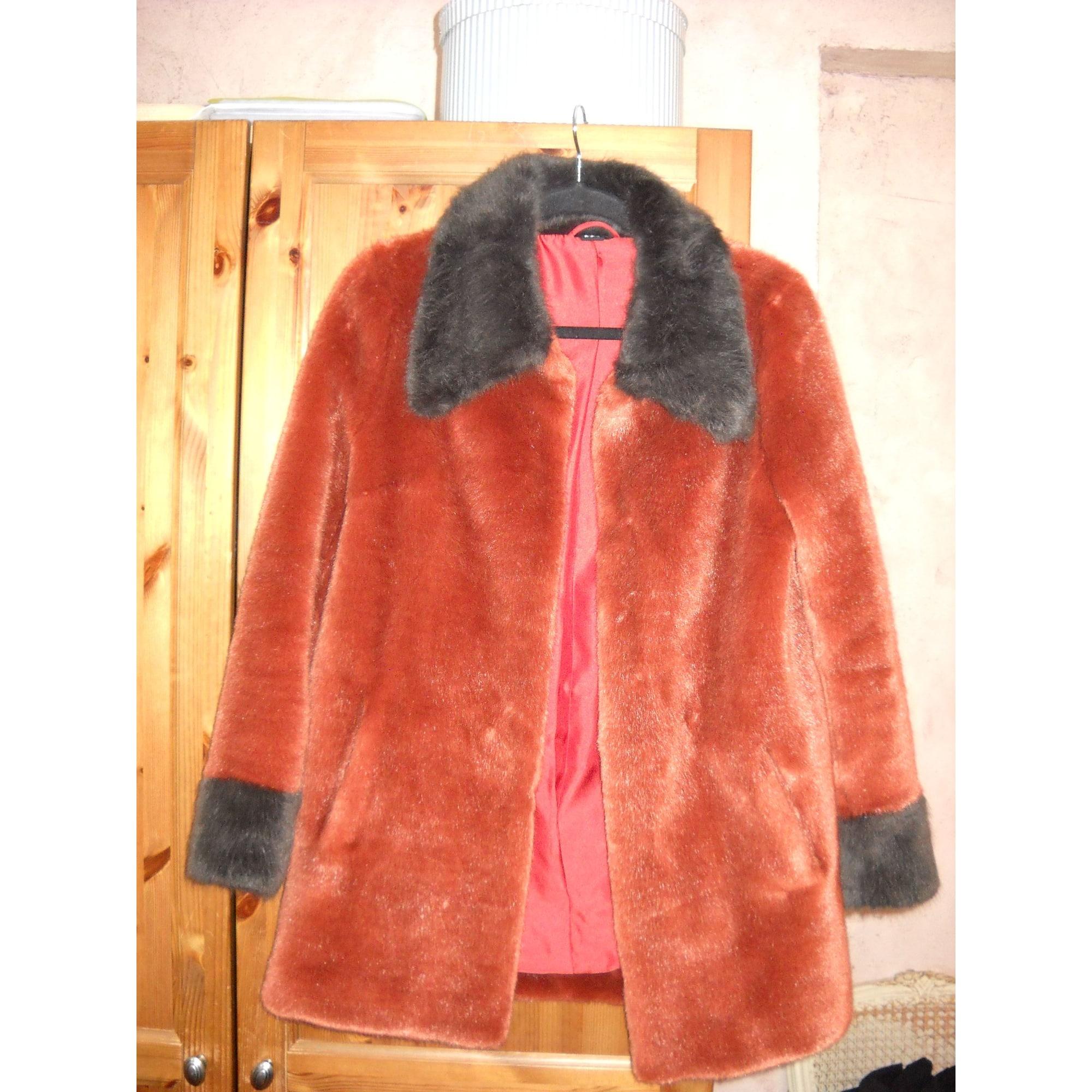 Manteau en fourrure MPD  BOX Rouge, bordeaux