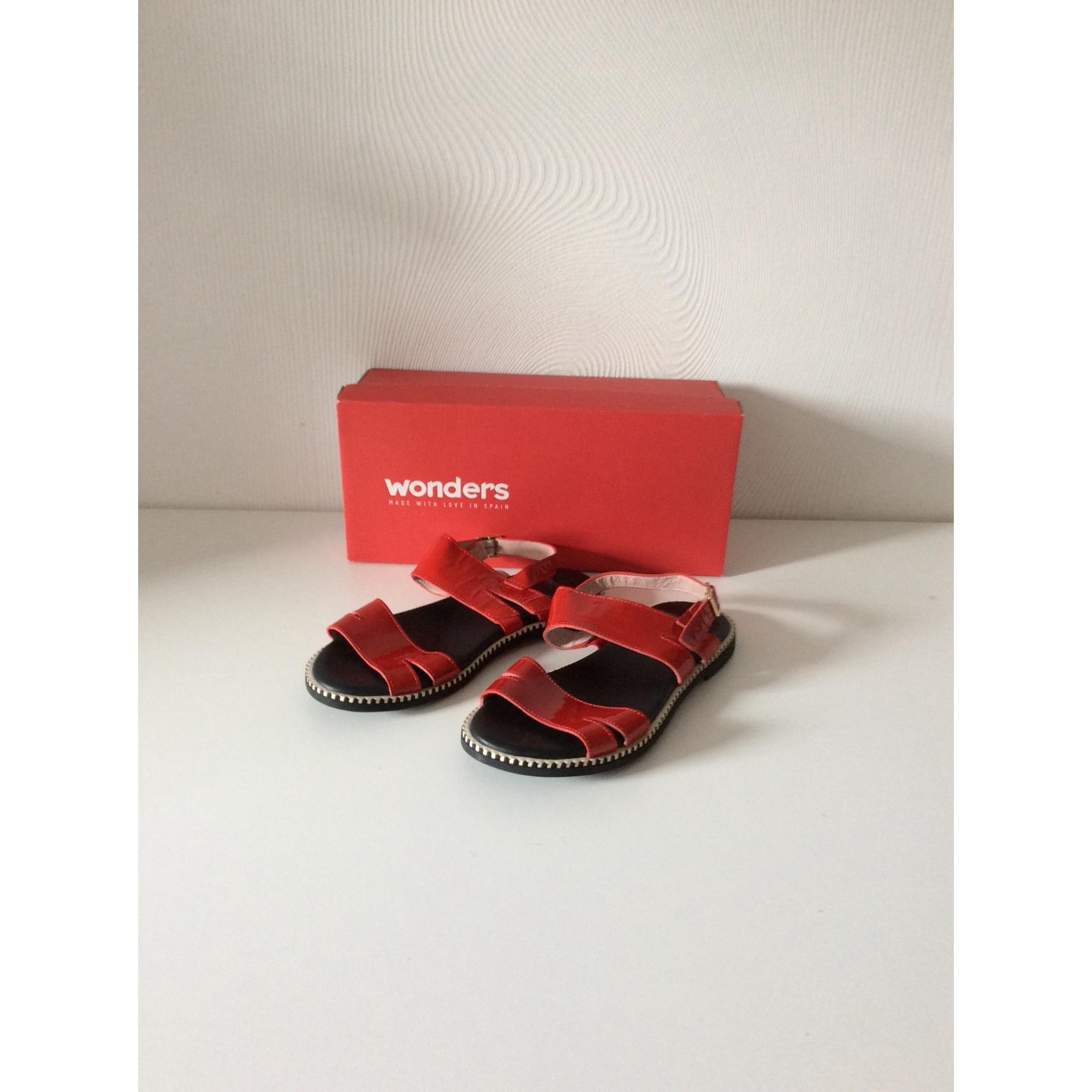 Sandales plates  WONDERS Rouge, bordeaux