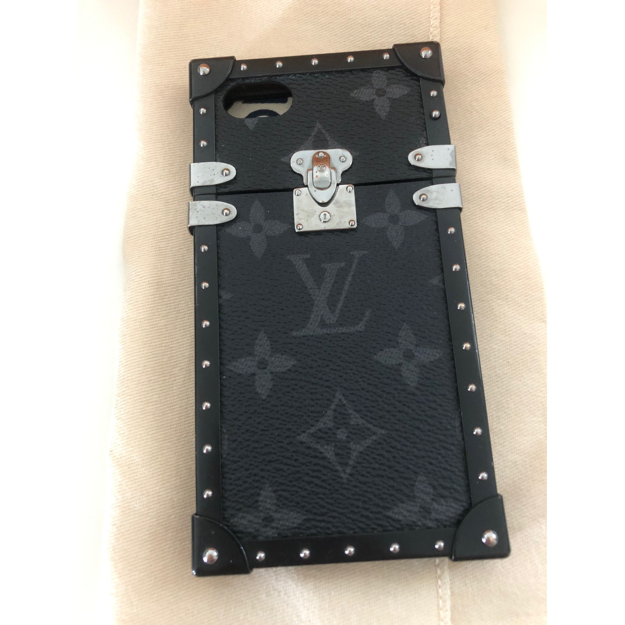 Etui iPhone  LOUIS VUITTON Gris, anthracite