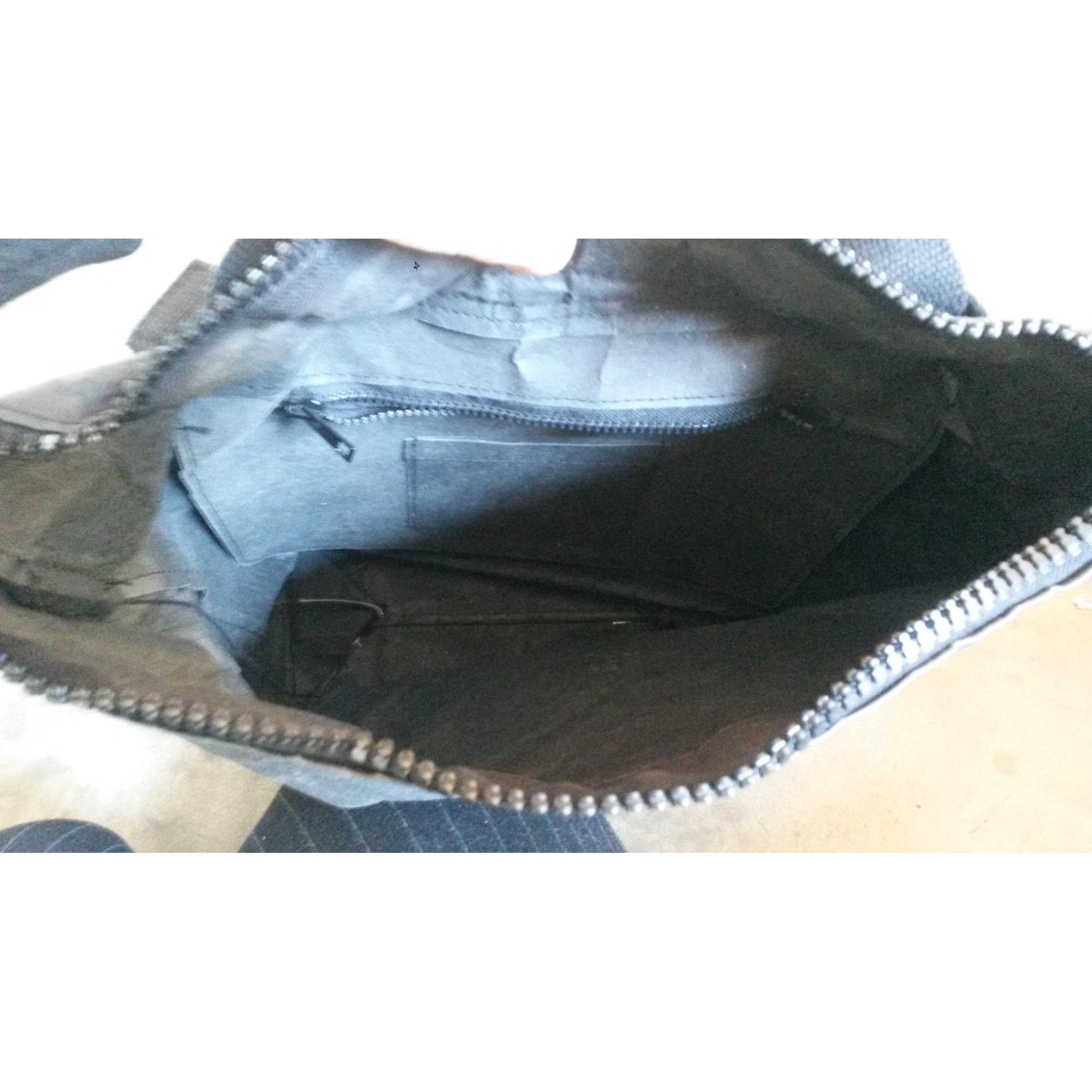 Backpack ESSENT-IAL Black