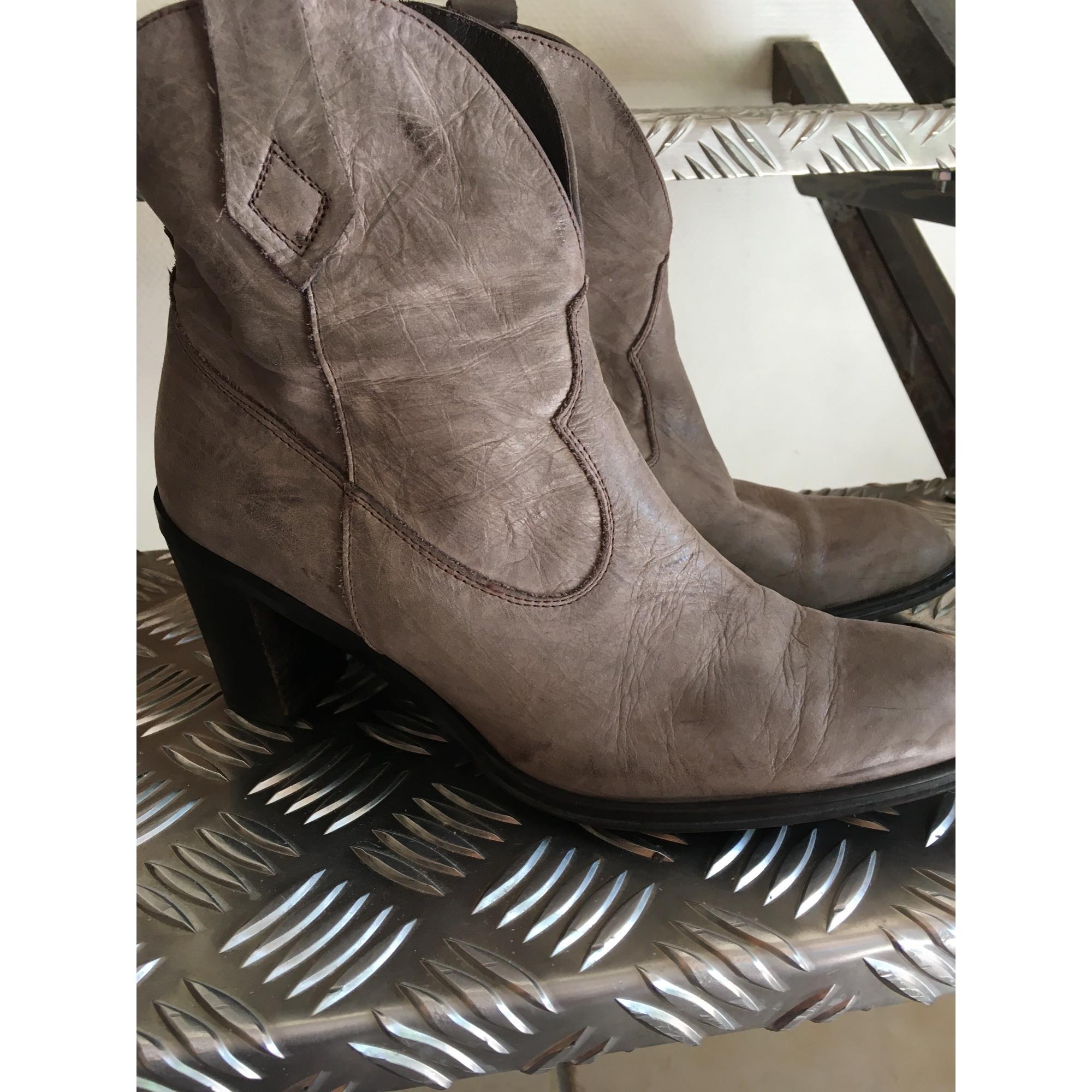 Bottines & low boots à talons MARQUE INCONNUE Taupe beige