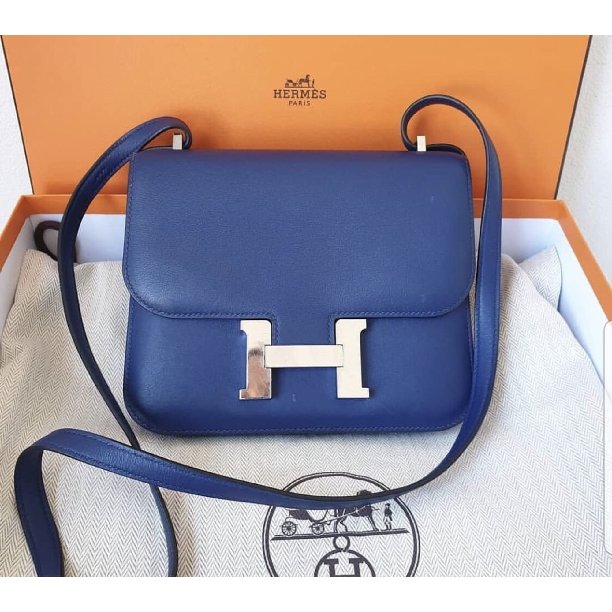 Sac à main en cuir HERMÈS Constance Bleu, bleu marine, bleu turquoise