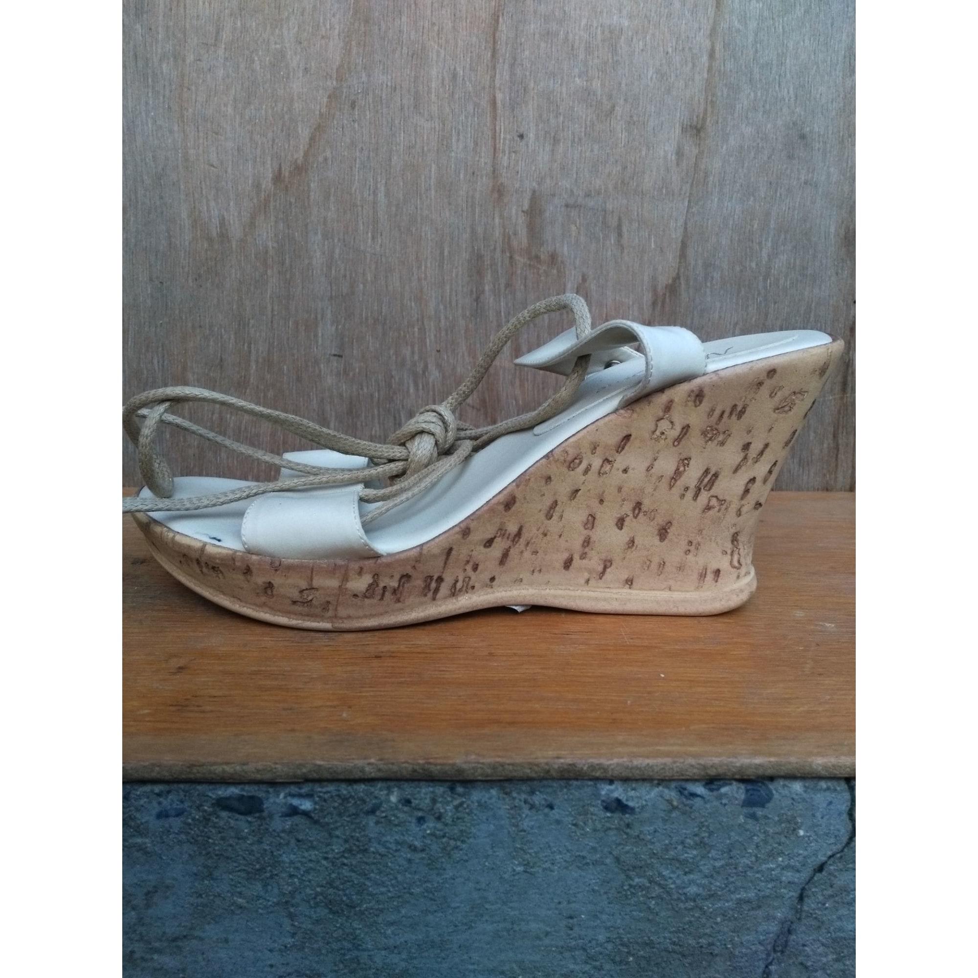 Sandales compensées STREET SHOES crème