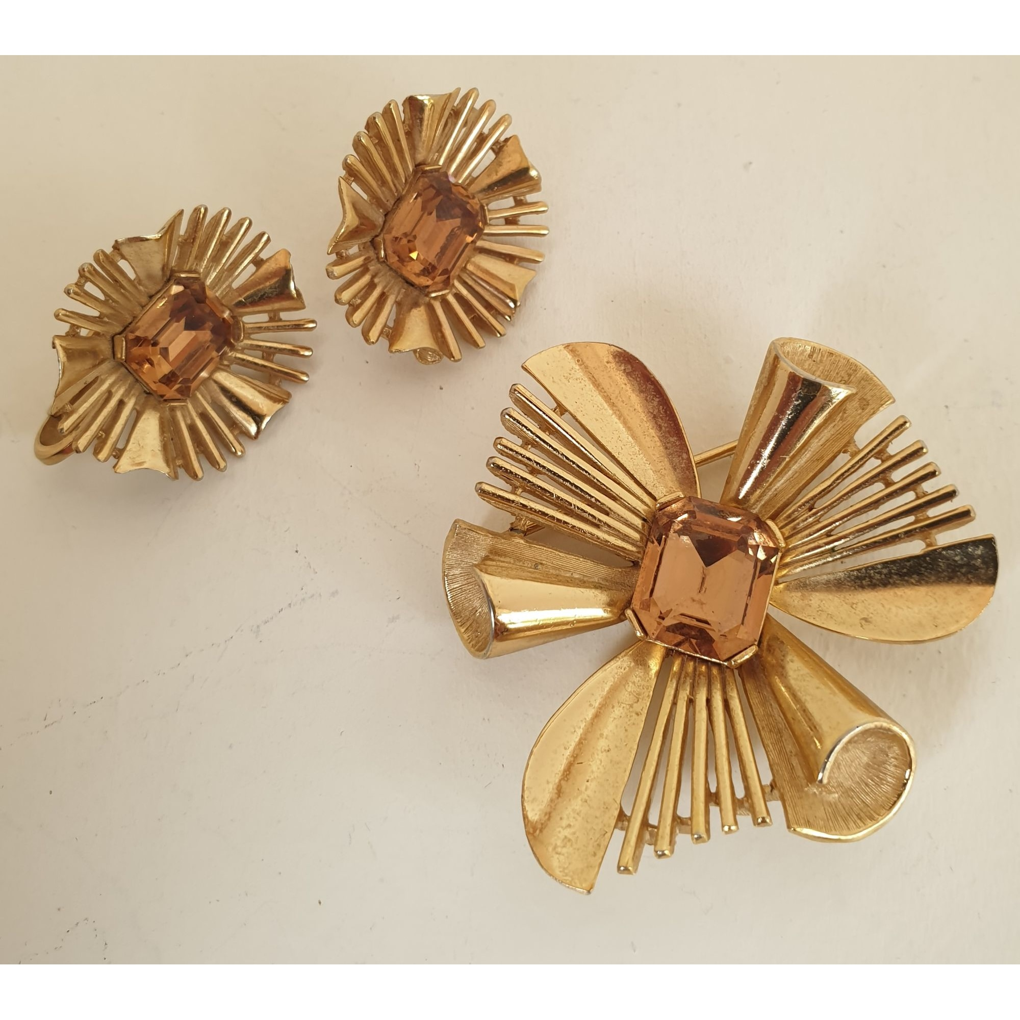 Parure bijoux TRIFARI Doré, bronze, cuivre
