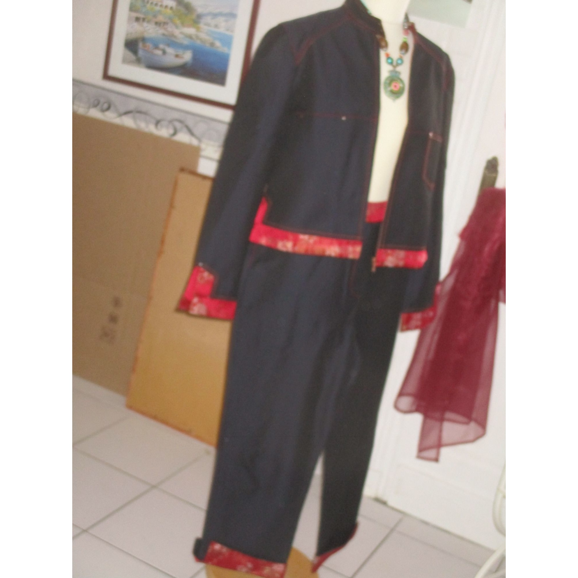 Tailleur pantalon ALAIN MANOUKIAN anthracite et rouge