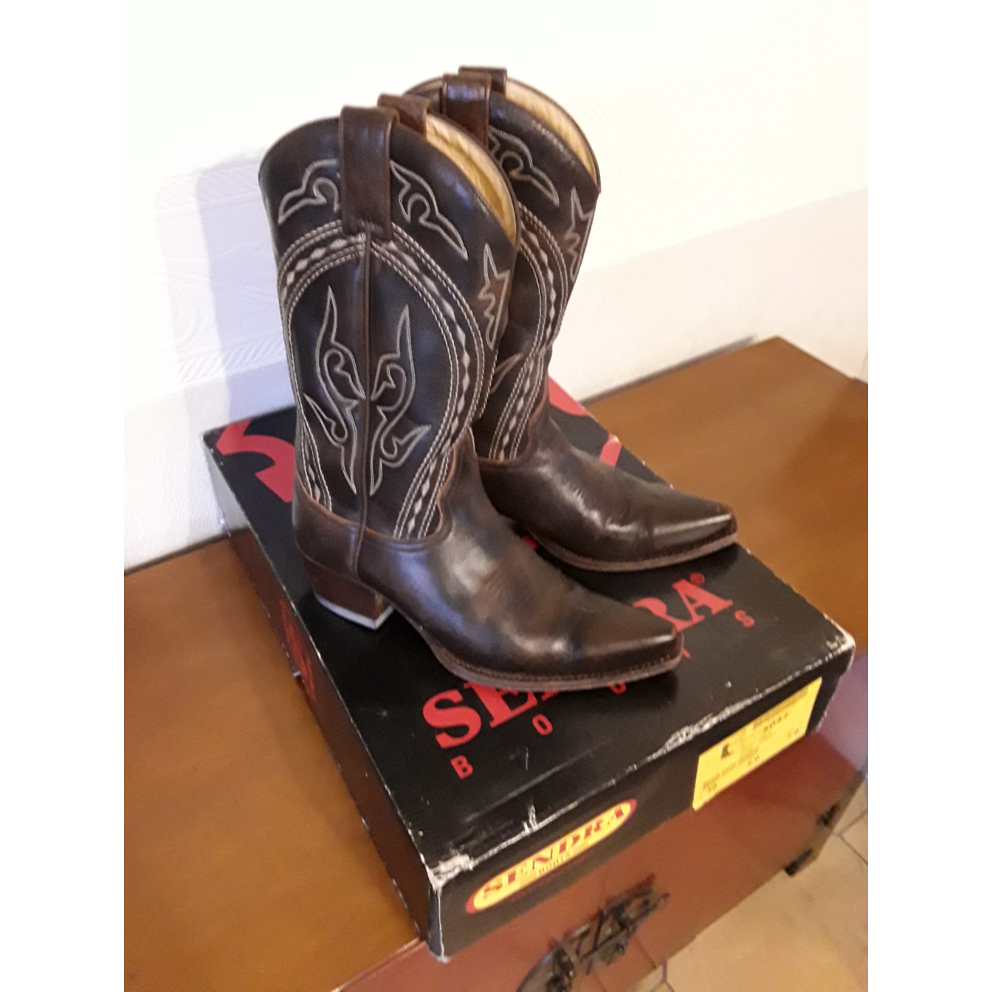 Santiags, bottines, low boots cowboy SENDRA Marron