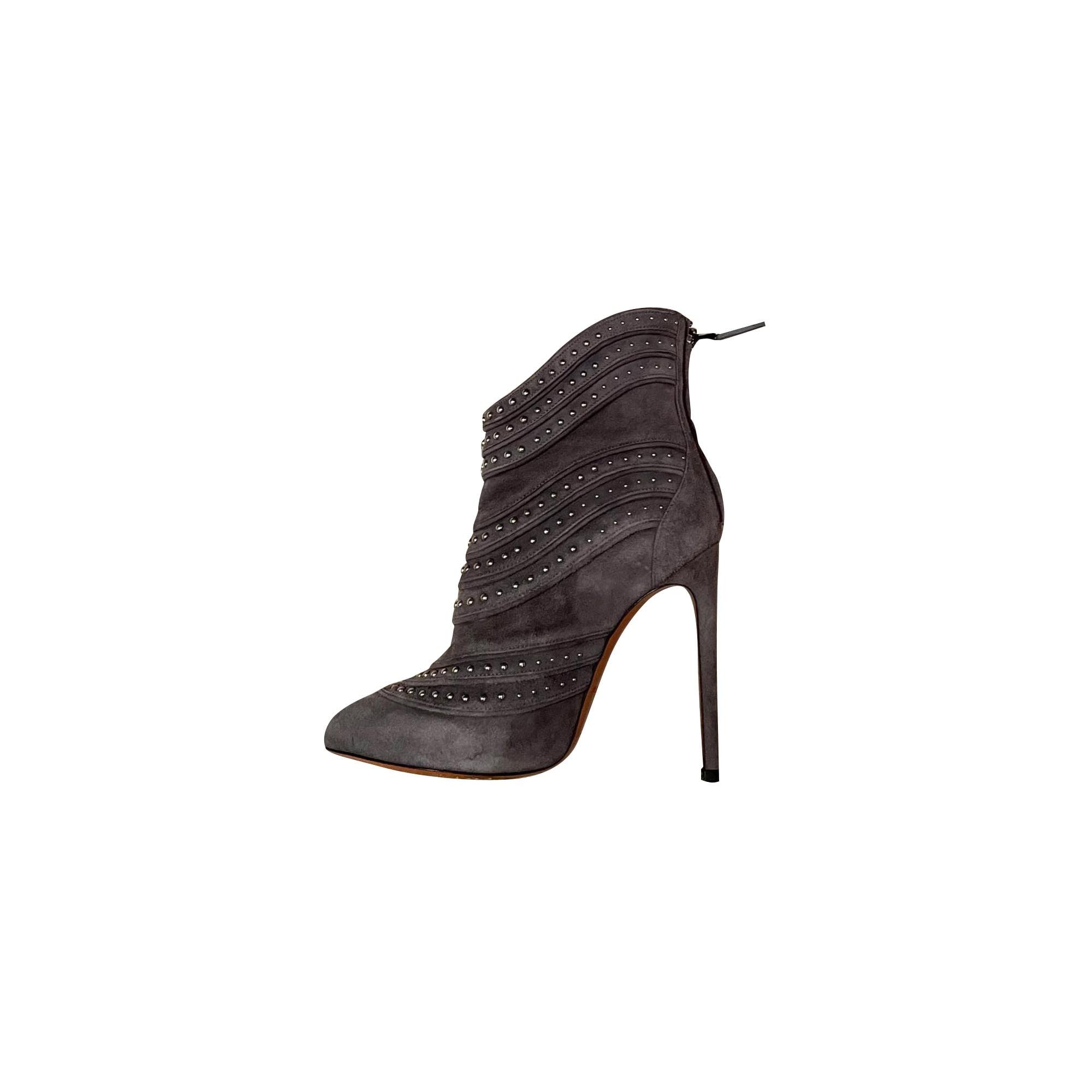 Bottines & low boots à talons ALAÏA Gris, anthracite