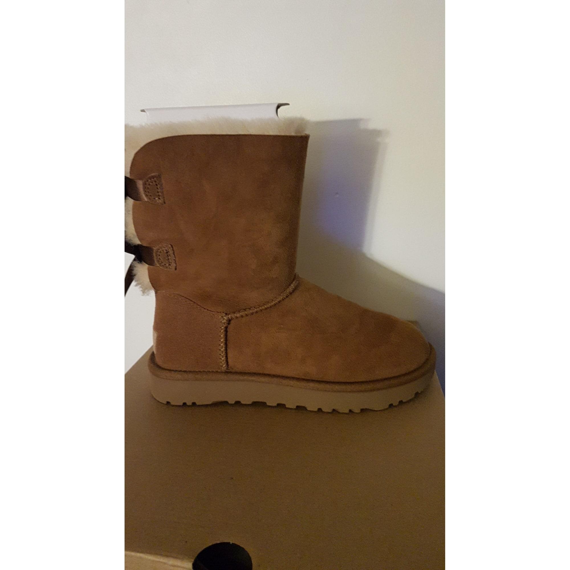 Chaussons & pantoufles UGG Beige, camel