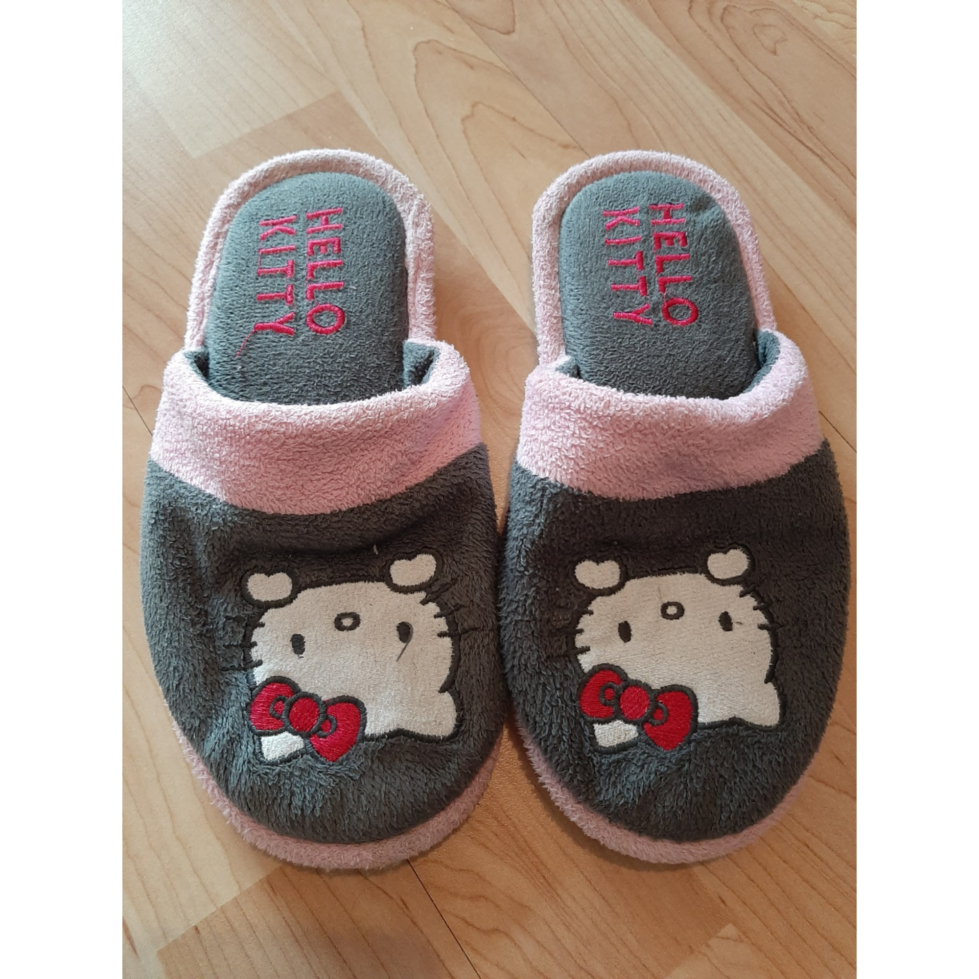 Chaussons & pantoufles HELLO KITTY Gris, anthracite