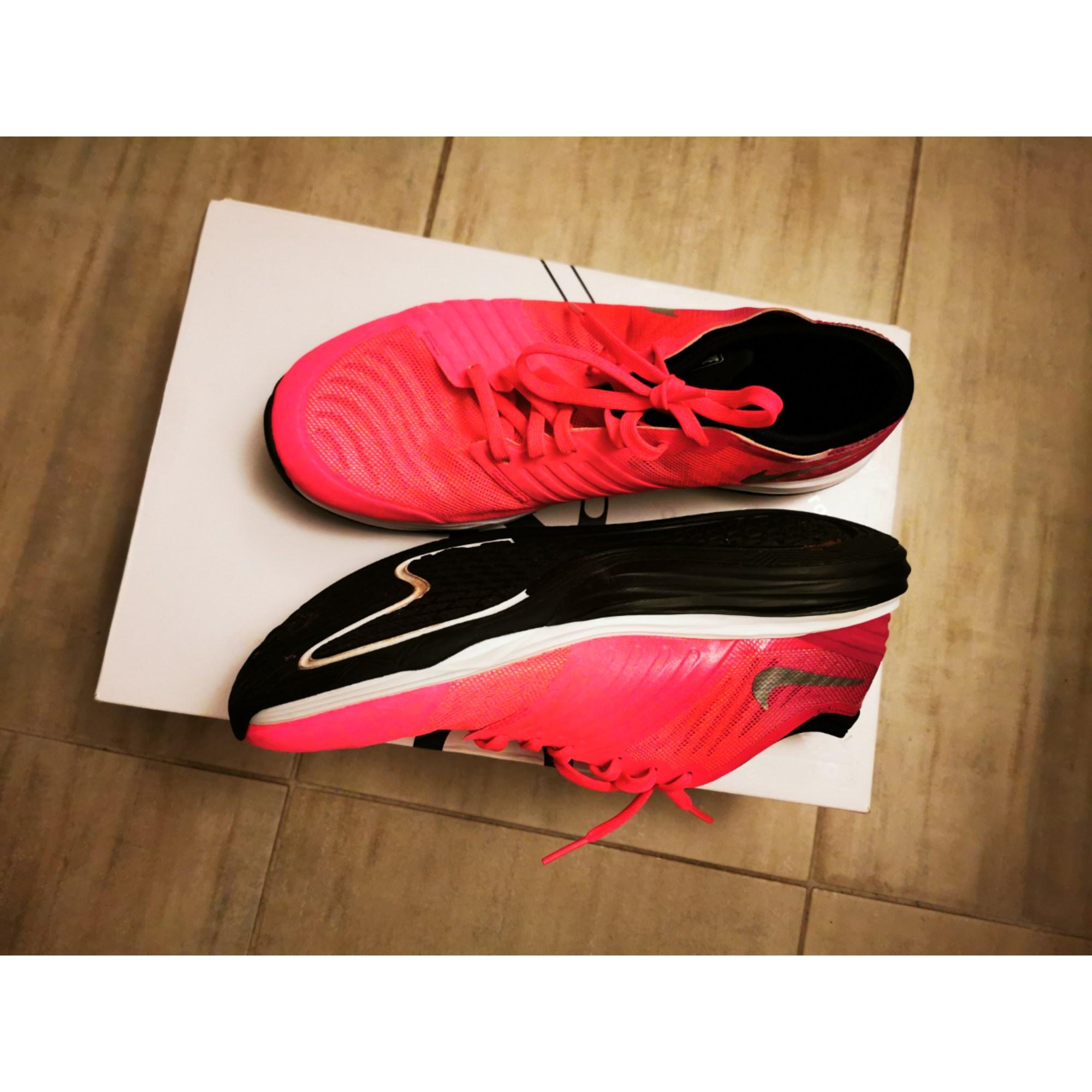 Chaussures de sport NIKE Rose, fuschia, vieux rose