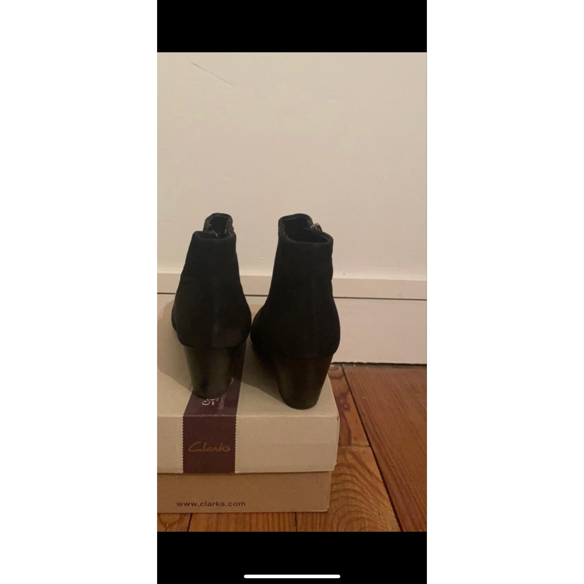 Bottines & low boots à compensés CLARKS Noir