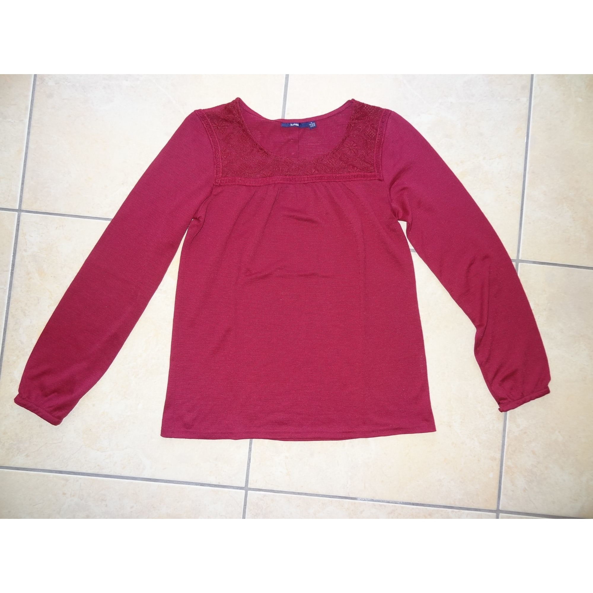 Top, tee-shirt KIABI Rouge, bordeaux